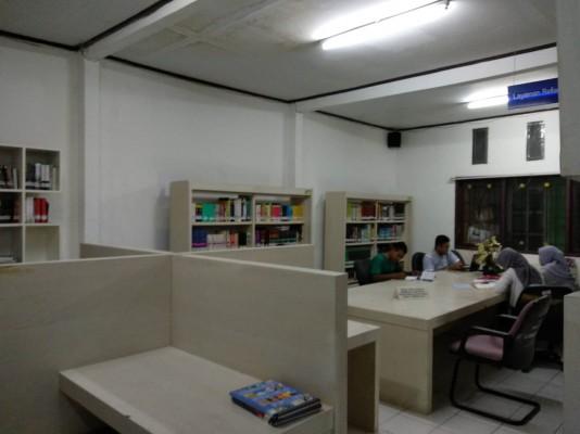 Pengunjung Perpustakaan Kota Bekasi ...